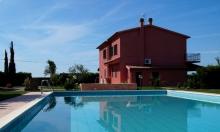 Toskana Ferienhaus mit Pool für 4 Personen in Meernähe
