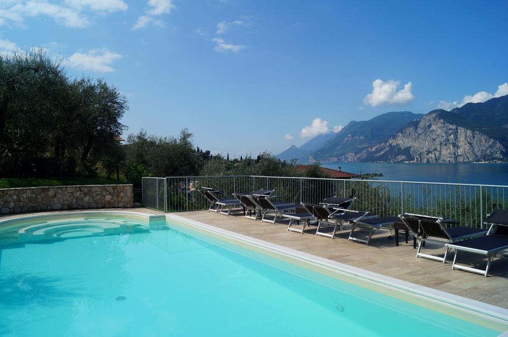 Gardasee Ferienwohnung Pool Seeblick