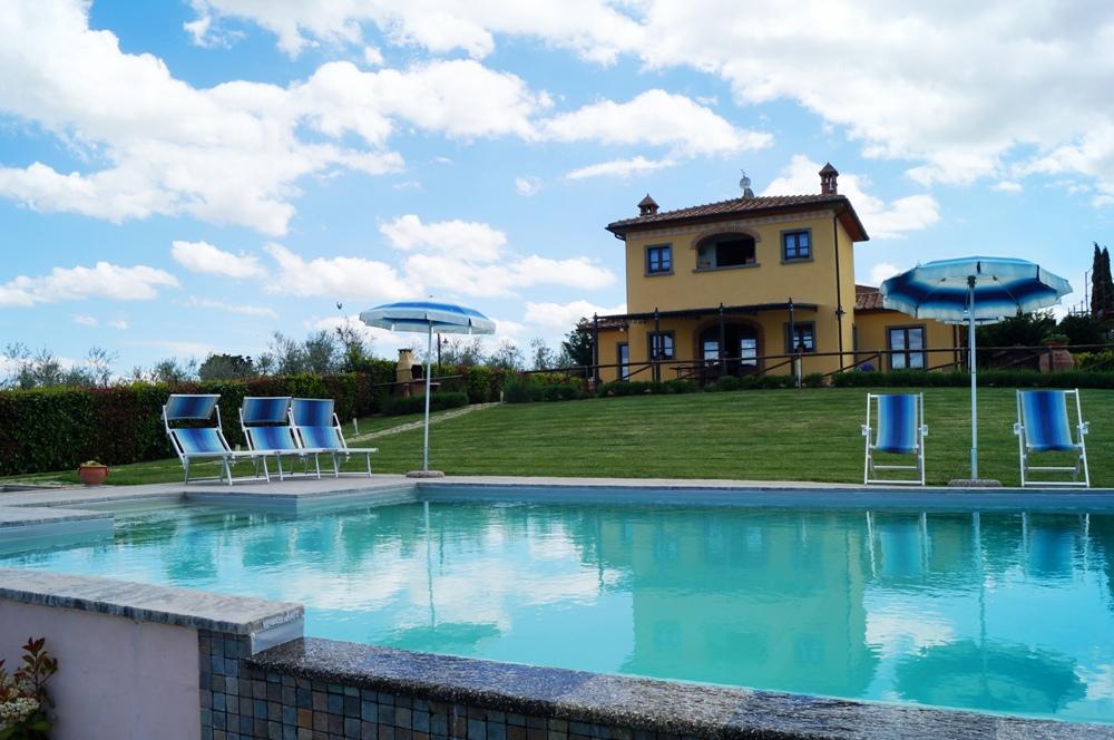 freistehendes Toskana-Ferienhaus Pool