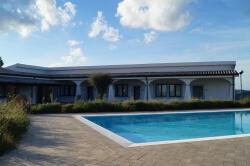 Ferienanlage Sardinien Pool