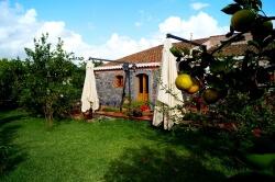 Landhotel auf Sizlien inmitten einer Zitronenplantage, Am Meer