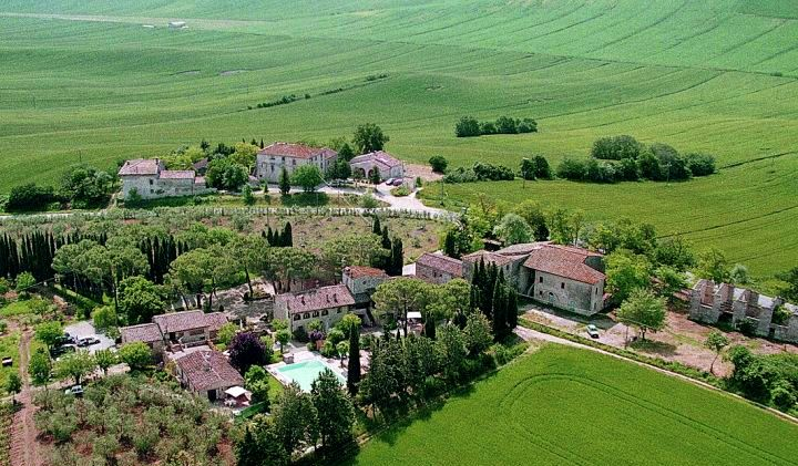 Toskana Ferienwohnung bei Siena mit Pool