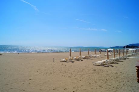 feiner Sandstrand Castiglione della Pescaia, Toskana