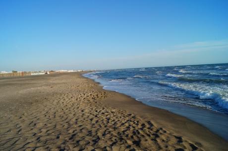 feiner Sandstrand Spiaggia Fregene, Latium