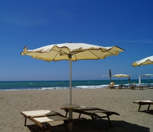 feiner Sandstrand Marina di Grosseto, Toskana